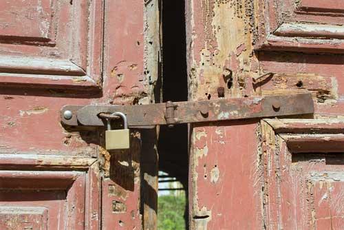 A door with a broken lock in Atlanta.